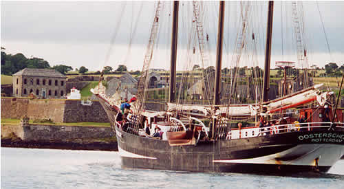 Oosterschelde passing Charle's Fort, as she enters Kinsale harbour.